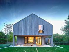 MB Architecture Covers Hamptons Farmhouse In Charred Cypress Fassade Holz,  Satteldach, Haus Einrichten,