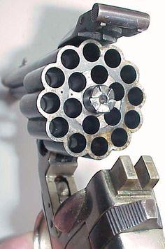 Unique revolver made in Spain, 3 barrels, 18 shots, 3 firing pins, 6.35mm pistol cartridge