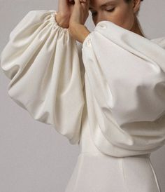 Outfit women for sale Look Fashion, Fashion Details, Womens Fashion, Fashion Design, Fashion Tips, White Fashion, Classic Fashion, Fashion Beauty, Kleidung Design