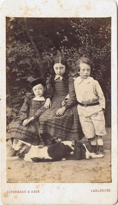 Love The Dresses And Faces Children Pictures Female Fashion Beautiful Siblings