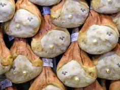 Il Prosciutto di San Daniele DOP viene prodotto a partire esclusivamente dalle cosce selezionate di maiali allevati in dieci regioni dell'Italia...