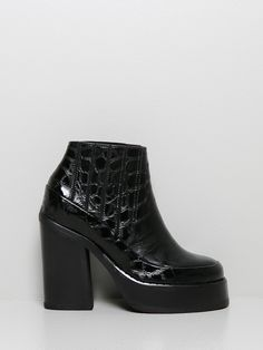Pamela Platform in black by Purified