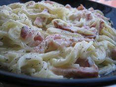 Ha nincs kedved órákat tölteni a konyhában, ez a recept tetszeni fog! Meat Recipes, Pasta Recipes, Dinner Recipes, Healthy Recipes, Recipies, Hungarian Recipes, Pasta Dishes, Pasta Salad, Macaroni And Cheese