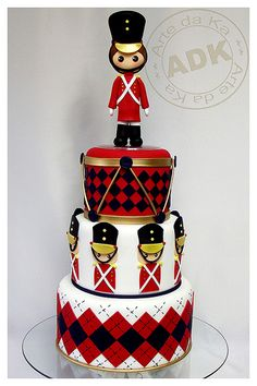 Toy Soldier Cake- need to make this! Christmas Cake Pops, Christmas Cupcakes Decoration, Nutcracker Christmas, Baby Cakes, Cupcake Cakes, Beautiful Cakes, Amazing Cakes, Snowman Cake, Holiday Cakes