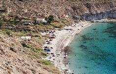 Vamos a conocer la Playa de San Pedro en la zona de Cabo de Gata en la provincia de Almería, una de las playas más bellas de la zona.