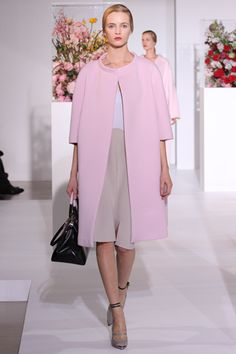 JILL SANDER FALL 2012 RTW buttonless overcoat. Overcoat is a heavy coat worn in winter time and the length usually goes around 3/4 to full length (Manda Talitha Selena FD1A1)