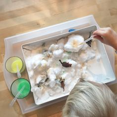 Sensorisk lek – Lek och Experiment Tactile Activities, Experiment, Kids And Parenting, Tips, Advice