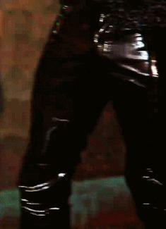 Pvc Trousers, Harem Pants, Mens Leather Pants, Pvc Vinyl, Kpop Guys, Black Nylons, Men Fashion, Connect, Bond