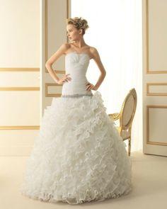 170 TOMILLO / Wedding Dresses / 2013 Collection / Luna Novias