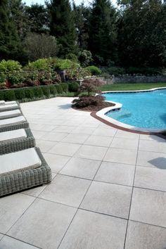 Unilock - Unilock pool deck with Umbriano and Il Campo paver