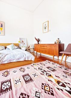 Chic And Trendy Mid Century Modern Bedroom Designs