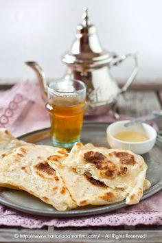 Colazione marocchina: the verde alla menta e msemen (pancake quadrati marocchini) - Trattoria da Martina - cucina tradizionale, regionale ed etnica