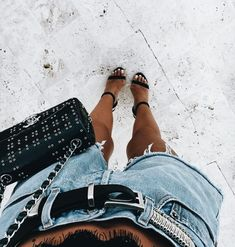 Handbags : Picture Description Casual chic in denim and Casual Chic, Kylie, Summer Outfits, Cute Outfits, Fashion Outfits, Womens Fashion, Fashion Trends, Vogue, Passion For Fashion