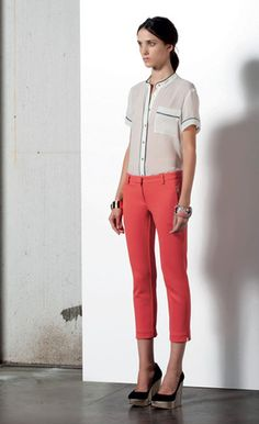 Look 56 . 635 Camicia / Blouse . 425 Pantalone / Trousers . 241 Bracciale / Bracelet . 234 Bracciale / Bracelet . 298P Scarpa / Shoes