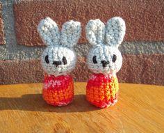 Amigurumi Haaksels: Kleine kadootjes Knitted Animals, Crochet Baby, Crochet Patterns, Knitting, Crafts, Presenter, Om, Babies, Ideas