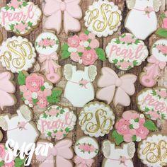 """202 Likes, 6 Comments - Lyndsie Hays (@sugarbylyndsie) on Instagram: """"Lots of flowers for baby Pearl! #customcookies #decoratedcookies #dallas #fortworth #dfw"""""""