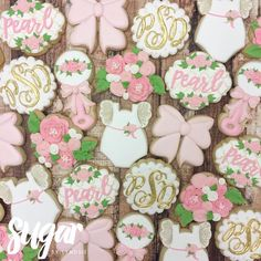 "202 Likes, 6 Comments - Lyndsie Hays (@sugarbylyndsie) on Instagram: ""Lots of flowers for baby Pearl! #customcookies #decoratedcookies #dallas #fortworth #dfw"""