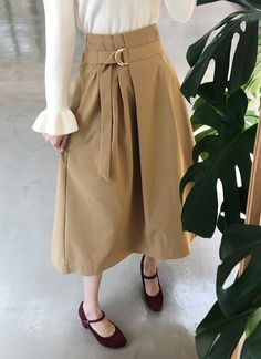 Skirt Fashion, Fashion Outfits, Womens Fashion, Cute Skirts, Fashion Sewing, Japan Fashion, Street Style Looks, Skirt Outfits, Vintage Outfits