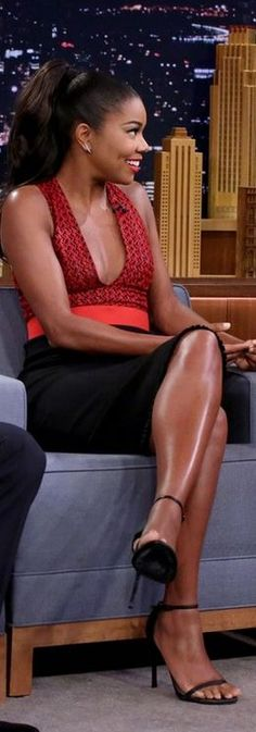 Gabrielle Union's red dress and black sandals fasdhion style id