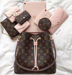 Trends For Women 2019 LV Trends For Women Style, New Louis Vuitton Handbags Collection Baskets Louis Vuitton, New Louis Vuitton Handbags, Louis Vuitton Taschen, Replica Handbags, Chanel Handbags, Purses And Handbags, Louis Vuitton Monogram, Cheap Handbags, Popular Handbags