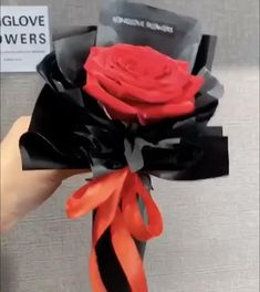 Wrap Flowers In Paper, Diy Lace Ribbon Flowers, How To Wrap Flowers, Flower Bouquet Diy, Bouquet Wrap, Boquet, Flower Box Gift, Flower Arrangements Simple, Flower Packaging