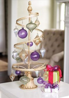 Spiral ornament stand also would be a great jewelery organizer.