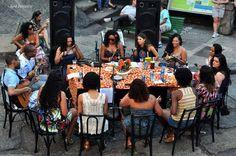 Grupo Moça Prosa, formado por mulheres, se apresenta no local