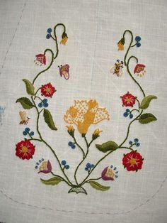 jennylafleur | diary | Empty Pockets: eighteenth century crewelwork pocket