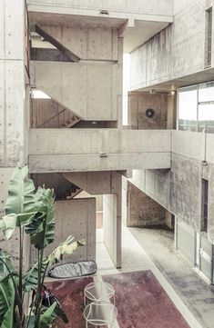 Salk Institute for Biological Studies - Louis Kahn Minimalist Architecture, Urban Architecture, Space Architecture, Classical Architecture, Architecture Details, Louis Kahn, Concrete Architecture, Le Palais, Alvar Aalto