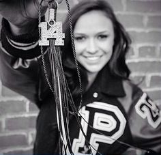 classic shot with Varsity Letter Jacket - Tassel Cute Senior Pictures, High School Pictures, Photography Senior Pictures, Graduation Pictures, Senior Photos, Senior Portrait Poses, Portrait Photo, Senior Session, Senior Posing