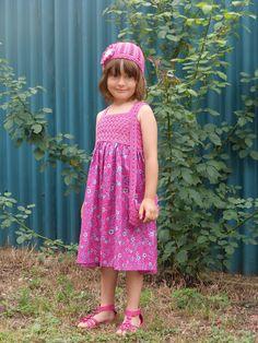Letní šatičky pro neteř - kombinace šití a háčkování