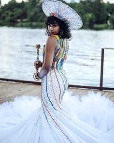 Most Beautiful Zulu Attires, Zulu is a Bantu gathering in South Africa that involves the KwaZulu-Natal area.Zulu dresses are the most widely recognized Zulu Traditional Wedding Dresses, Zulu Traditional Attire, South African Traditional Dresses, Traditional Outfits, Wedding Dresses South Africa, African Wedding Attire, African Attire, African Bridal Dress, African Print Dresses