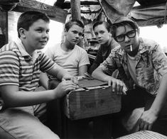 STAND BY ME (1986) Must See Films Before You Die - Classic Must See Movies