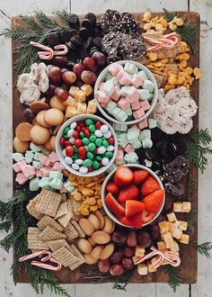 Kid Friendly Charcuterie Board For The Holidays — She Gave It A Go Holiday Snacks, Christmas Party Food, Christmas Desserts, Christmas Treats, Christmas Baking, Holiday Recipes, Christmas Entertaining, Christmas Holiday, Charcuterie Recipes