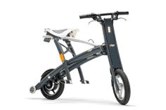 Stigo Unveils an Ultra Lightweight Electric Scooter That Folds Down to the Size of a Golf Bag Cheap Electric Scooters, Electric Scooter For Kids, Electric Bicycle, Scooter Bike, Kick Scooter, Motorcycle Bike, Velo Design, Design Design, Bikes Direct