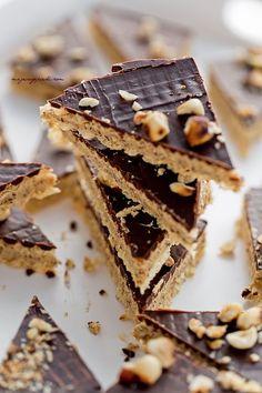 Mazurek Orzech laskowy z czekoladą