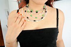 DIY - Collar babero con cordones de cuero