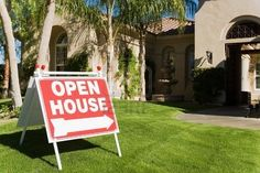Selling houses at an open house. Here's how to host a successful open house and sell that house. Why not all homes are candidates for holding open. Real Estate Business, Real Estate Tips, Real Estate Investing, Real Estate Marketing, Home Selling Tips, Selling Your House, Buying A New Home, House Prices, Home Staging