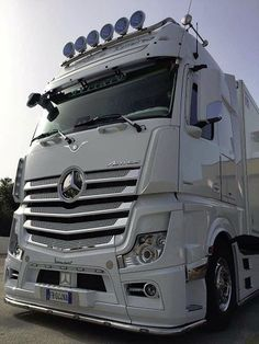 Mercedes Benz Commercial, Mb Truck, Mp 5, Customised Trucks, Luxury Bus, Mercedes Benz Trucks, Automobile, Semi Trucks, Cool Trucks