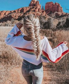 What are the box braids? We braid hair since the dawn of time, so we found traces of braided hairstyles dating back to Prehistory! After a dazzling comeback in the the fashion of braids (or rather mats) does not seem… Continue Reading → Pretty Hairstyles, Braided Hairstyles, Hairstyle Ideas, Hair Dos, My Hair, Cabelo 3c 4a, Coiffure Hair, Gorgeous Hair, Hair Trends