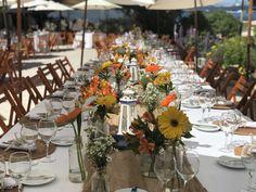 Mesa de novios Table Settings, Table Decorations, Beach, Furniture, Home Decor, Grooms Table, Mesas, Flowers, Decoration Home