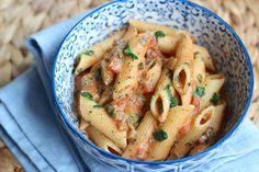 Pasta met tomaat en spinazie