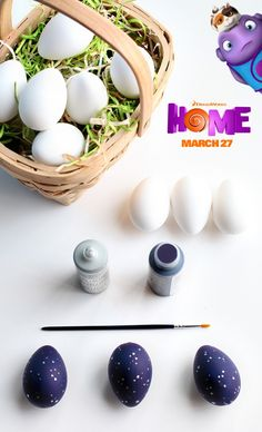 How cute are these Oh eggs inspired by the movie Home?! Sponsored by DreamWorks.