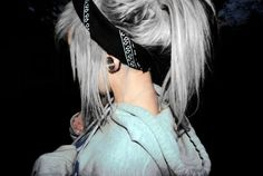 Michelle could I rock this silver hair? Really obsessed with this!!