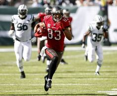 Vincent Jackson of the Tampa Bay Buccaneers runs the ball against the New York Jets during their game at MetLife Stadium on September Vincent Jackson, Metlife Stadium, Tampa Bay Buccaneers, World Of Sports, Pro Cycling, New York Jets, Football Helmets, Nfl, September 8