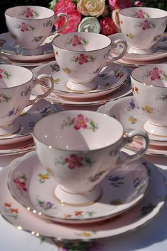 floral tea cups http://berryvogue.com/dinnerware