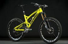 Carbon Covert 2013 - Full bike - Transition Bikes All-Mountain - Enduro Mountain Bike Brands, Mountain Bicycle, Mountain Biking, Road Bikes, Cycling Bikes, Cycling Equipment, Bmx, Transition Bike, Mtb Cycles