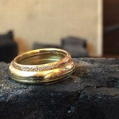 An eternity together, wrapped up in gold - bespoke wedding rings. Congratulations Dave&Tahnee!! #ibiza #natashacollis #wedding #weddingbands #gold #diamonds #jewellery #handmade #lovegold #love #wanderlust @lovegoldlive