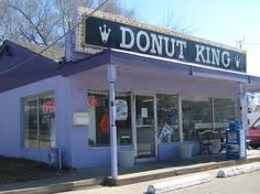 Donut King in North Kansas City (now). This is a picture of their old location when it was still on Chouteau Trafficway.