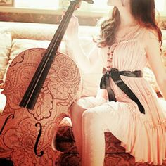 Okay. I'd never do this to my precious Bedivere, but it'd be awesome to have a cello like this one!